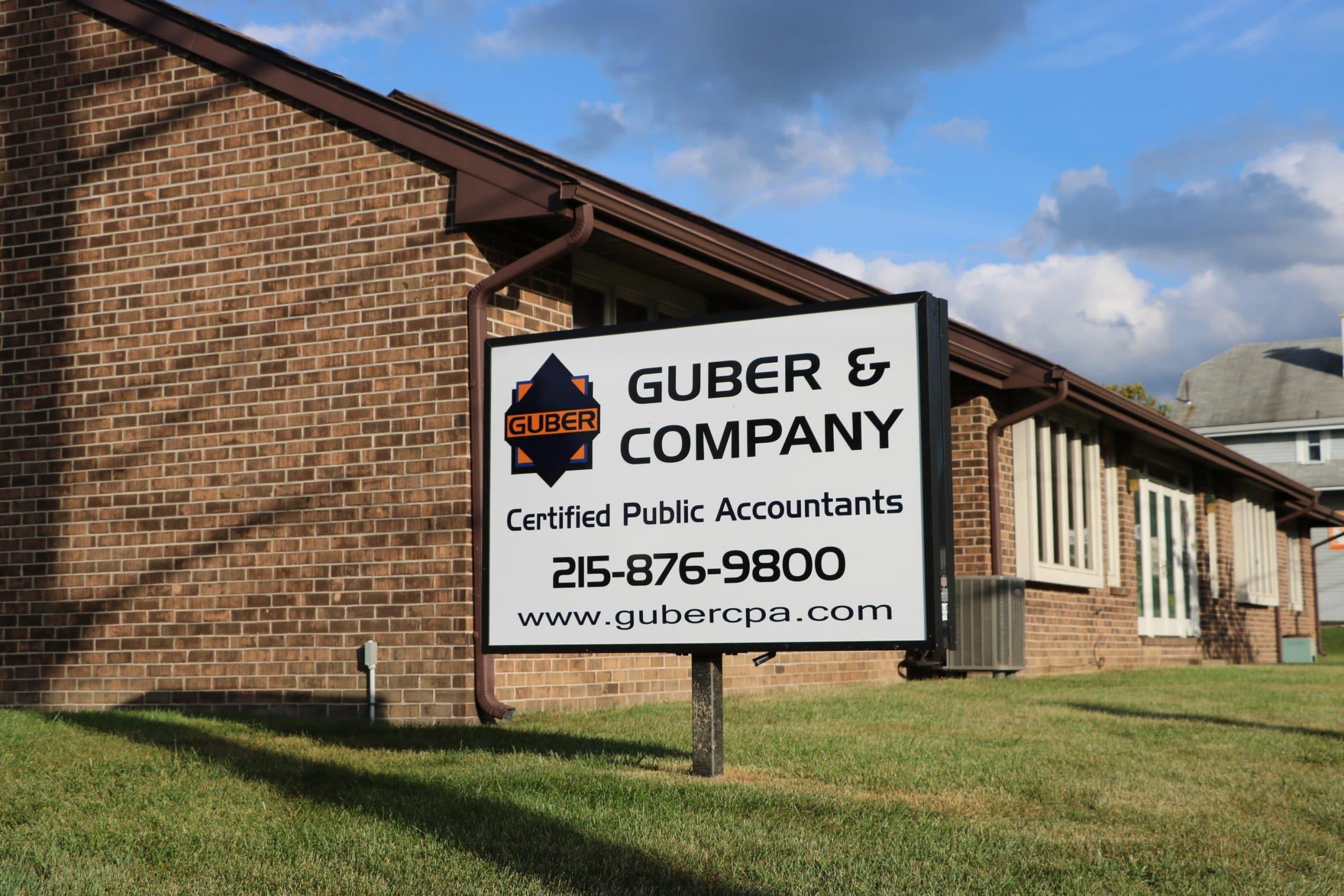 Photo of Guber's office for slider!